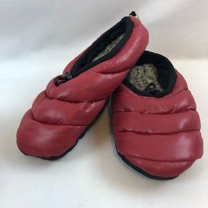 American Eagle Outfitter Red Puffer Slippers
